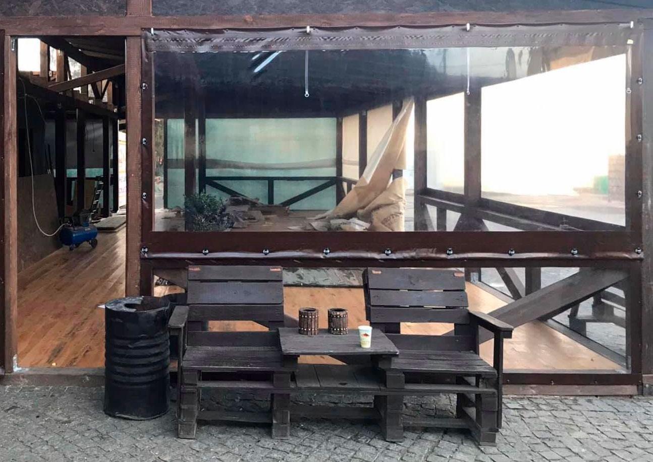 Защитные окна из ПВХ материала