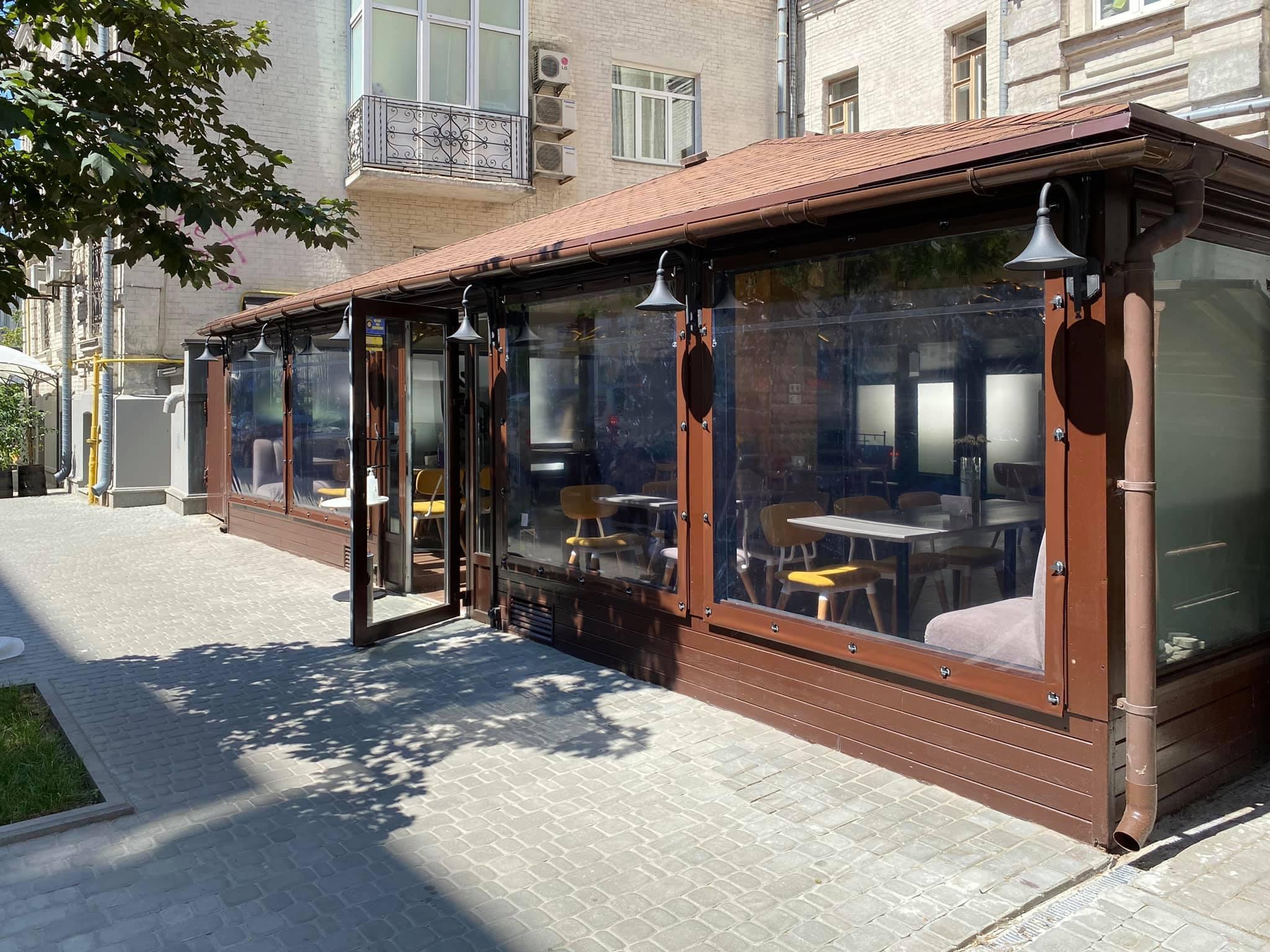 Мягкие окна для летней площадки ресторана FAIR PLAY