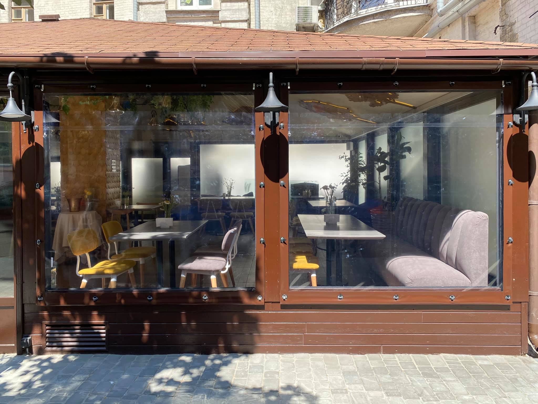 Мягкие окна на летнюю площадку ресторана FAIR PLAY