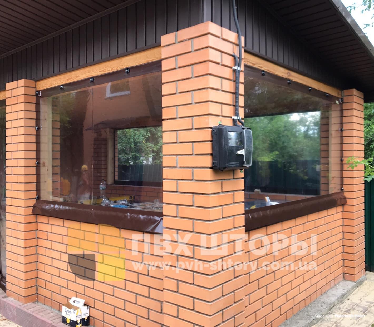 Жидкие окна для беседки в Самборе