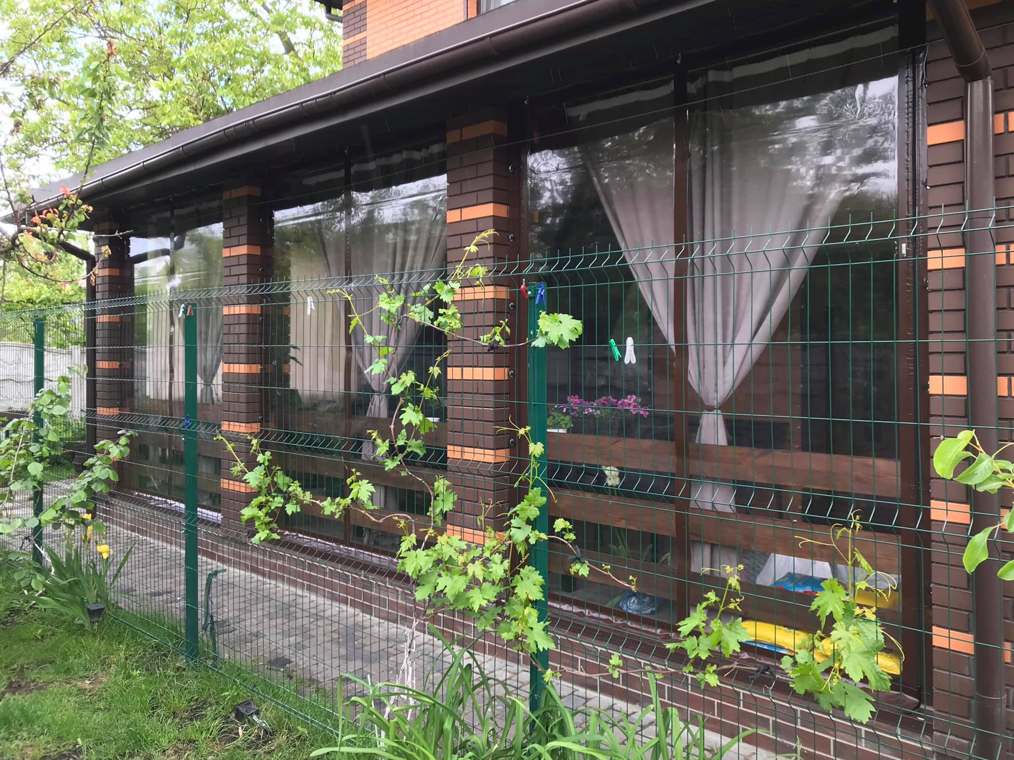 Мягкие окна на кирпичную веранду в Киеве (Славутич дачи)
