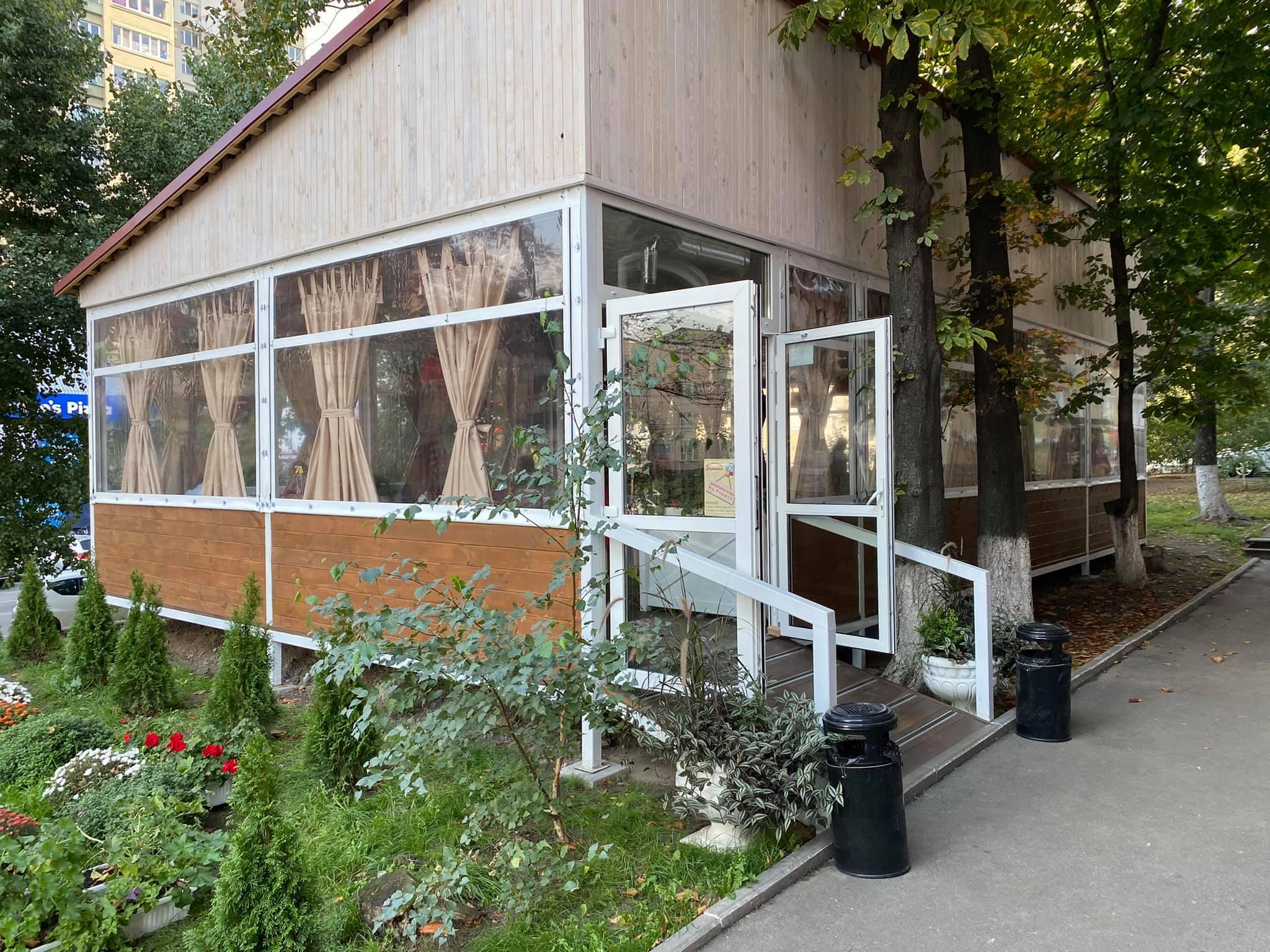 Гибкие окна для летней площадки в Киеве