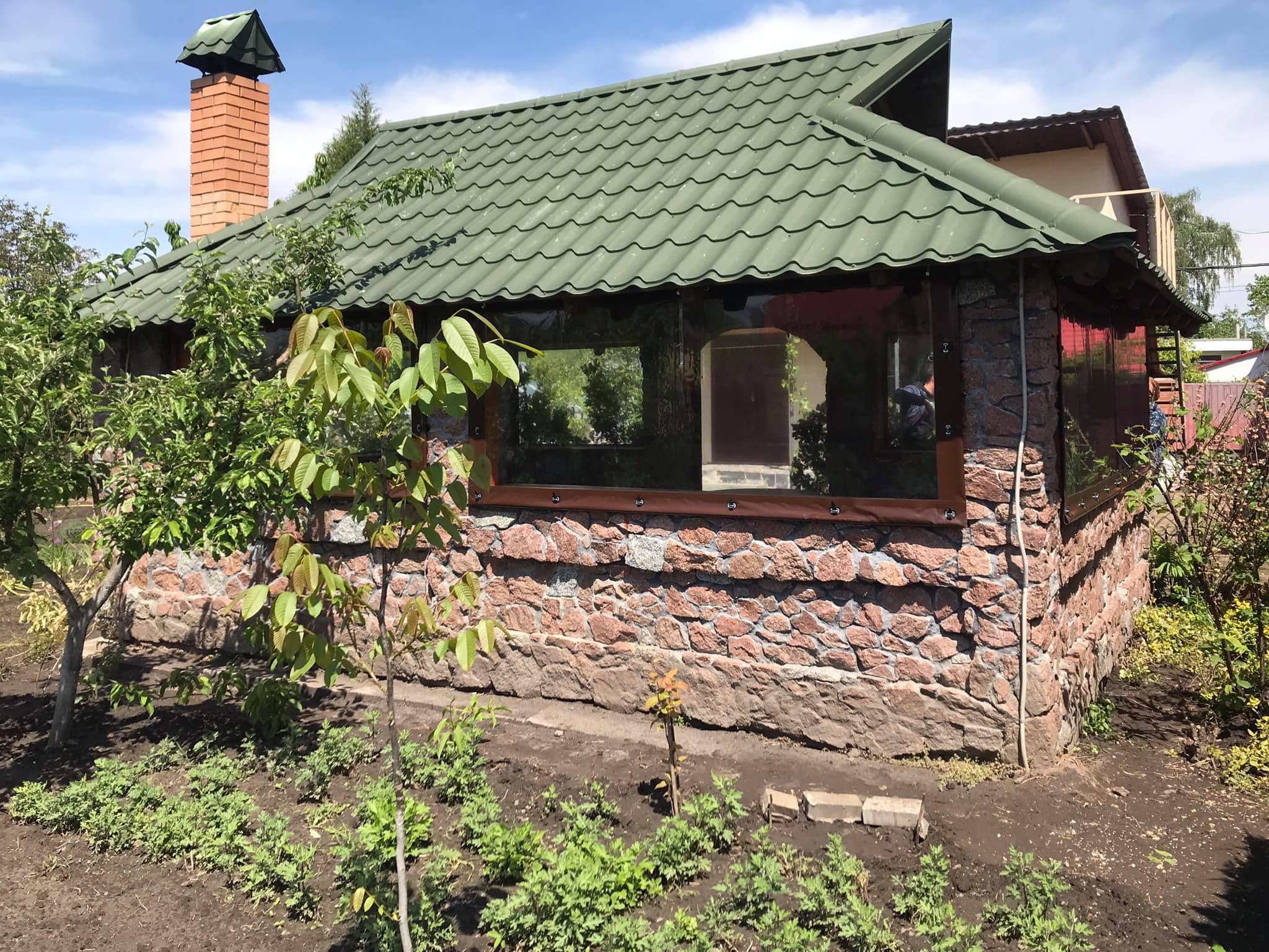 ПВХ шторы на каменную беседку в городе Борисполь