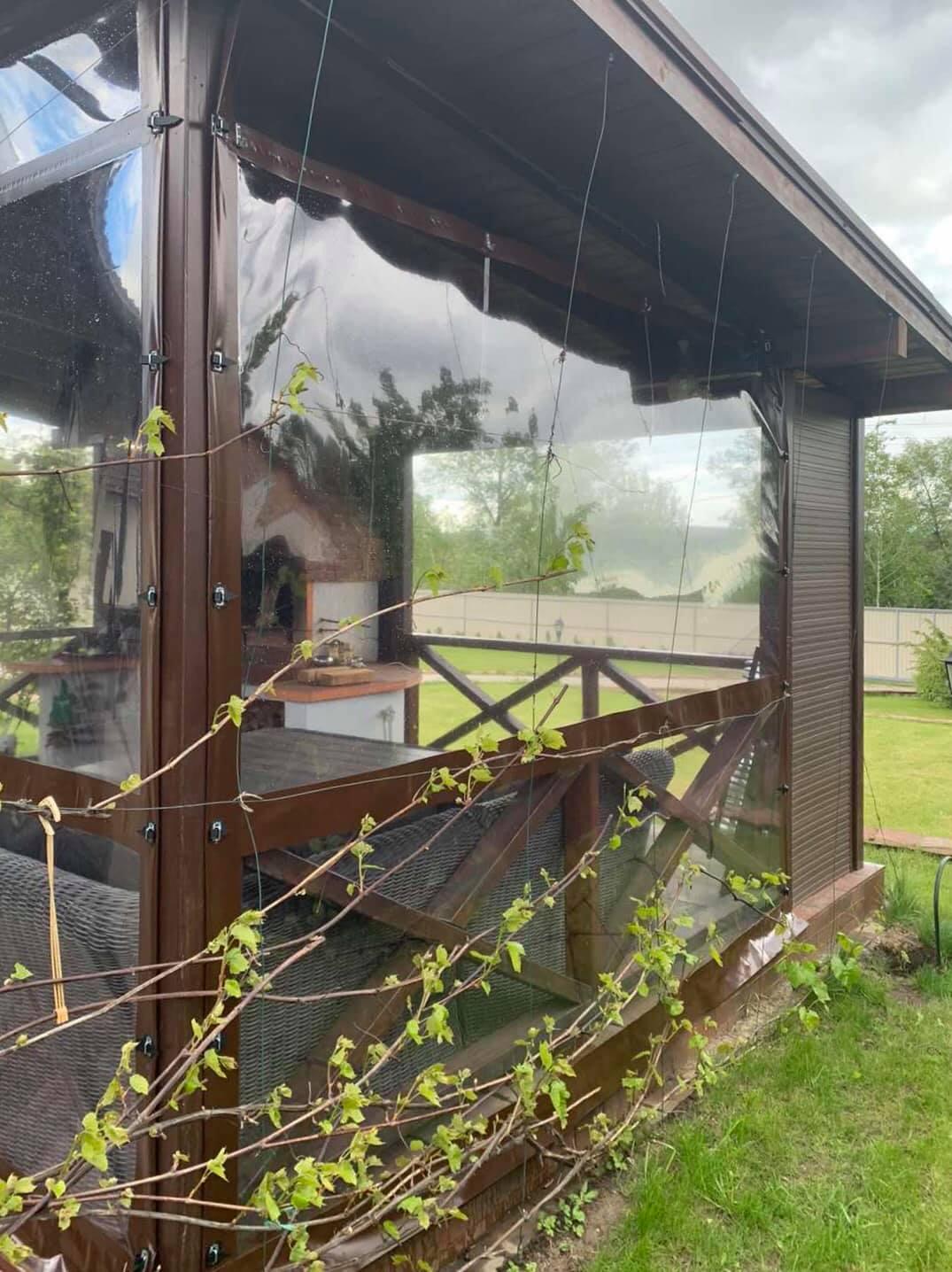 Гибкие окна на деревянную беседку в городе Чернигов (Черниговская область)