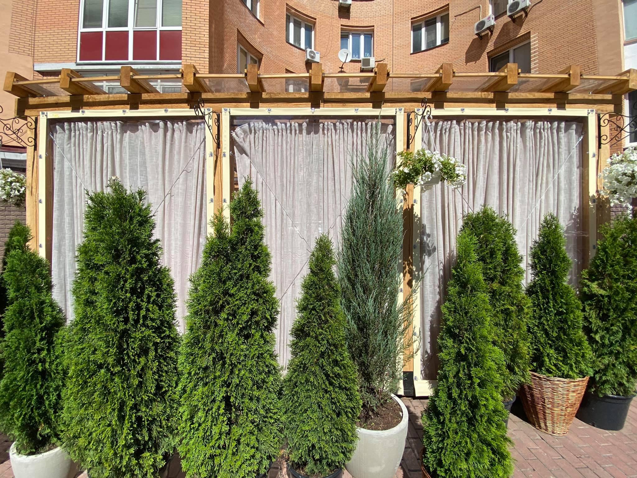 ПВХ шторы на деревянную летнюю площадку ресторана Ristorante 8/8 (Парк Наталка, Оболонь, Киев)