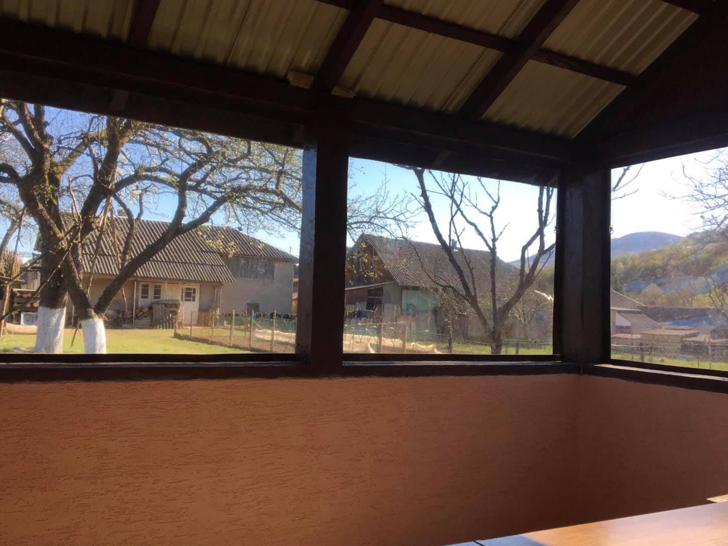 Гибкие окна на деревянную беседку в Закарпатской области
